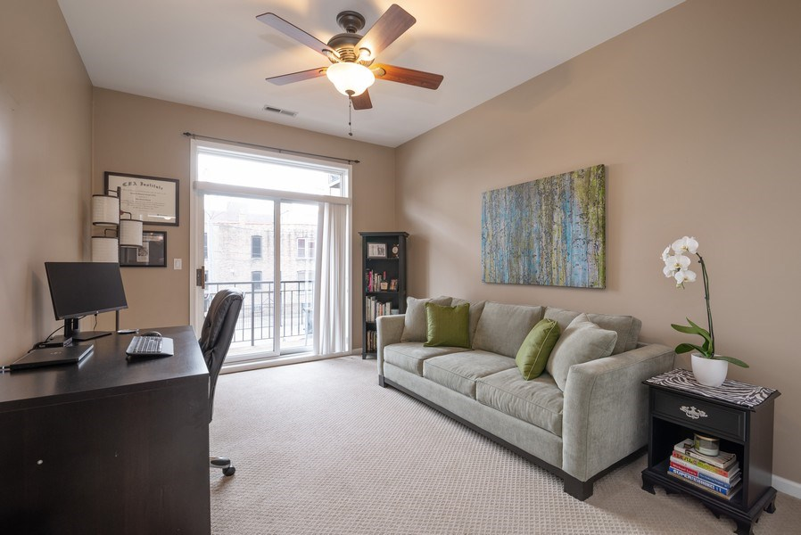 Real Estate Photography - 1025 W Buena Ave, Unit 2E, Chicago, IL, 60613 - 2nd Bedroom