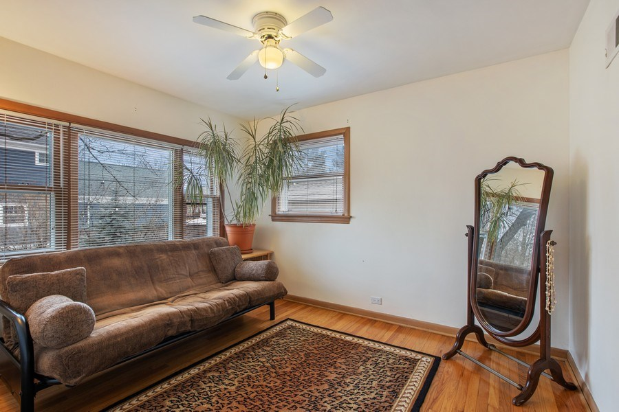 Real Estate Photography - 2132 Lake Ave., Wilmette, IL, 60091 - 2nd Bedroom