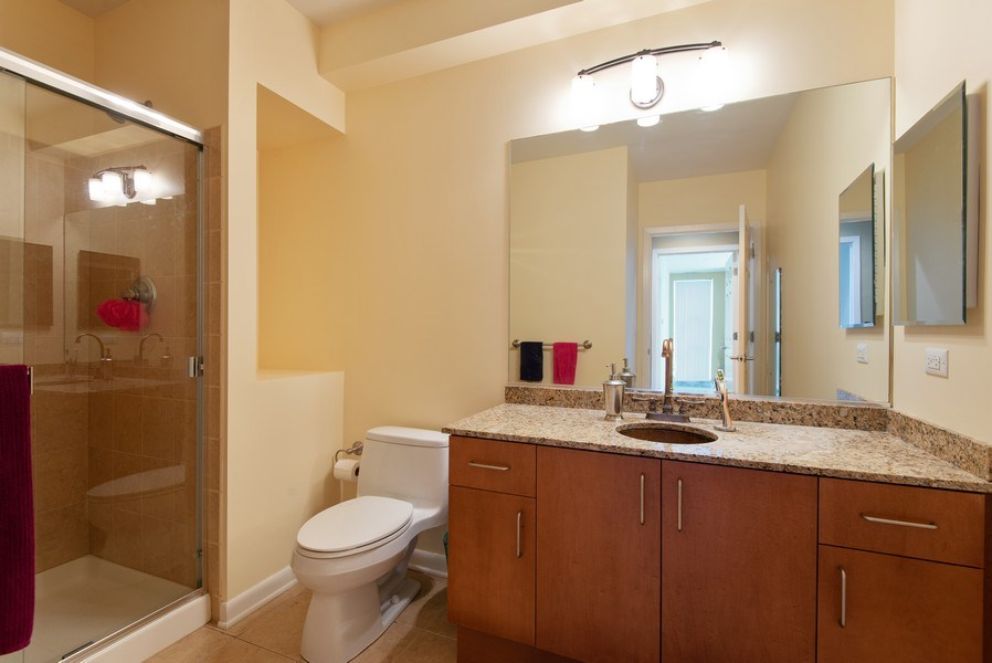 Real Estate Photography - 1720 Oak Avenue, Unit 502, Evanston, IL, 60201 - Bathroom