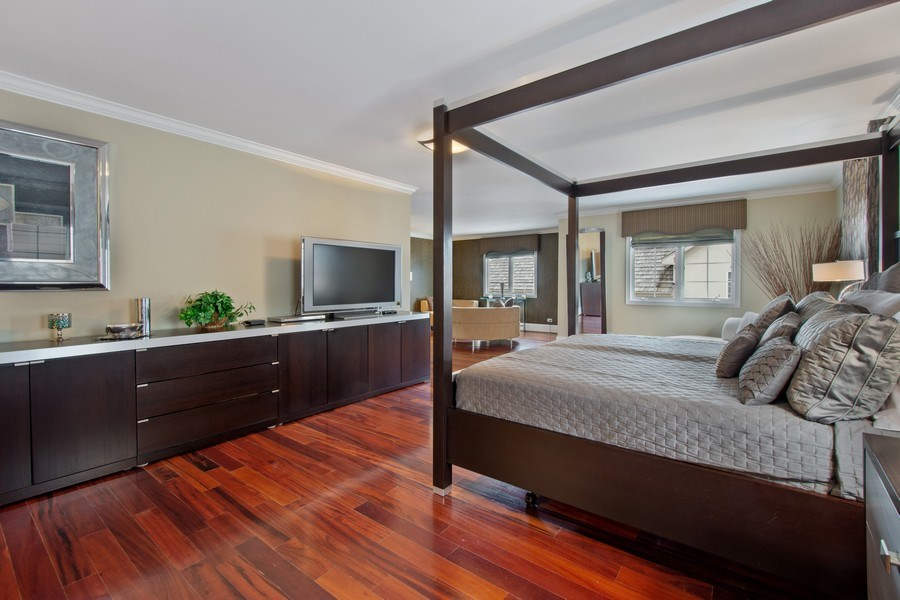 Real Estate Photography - 600 Sutherland Ct., Inverness, IL, 60010 - Master Bedroom
