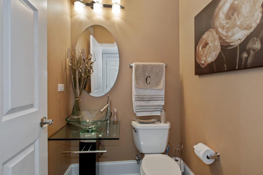 Real Estate Photography - 600 Sutherland Ct., Inverness, IL, 60010 - Powder Room