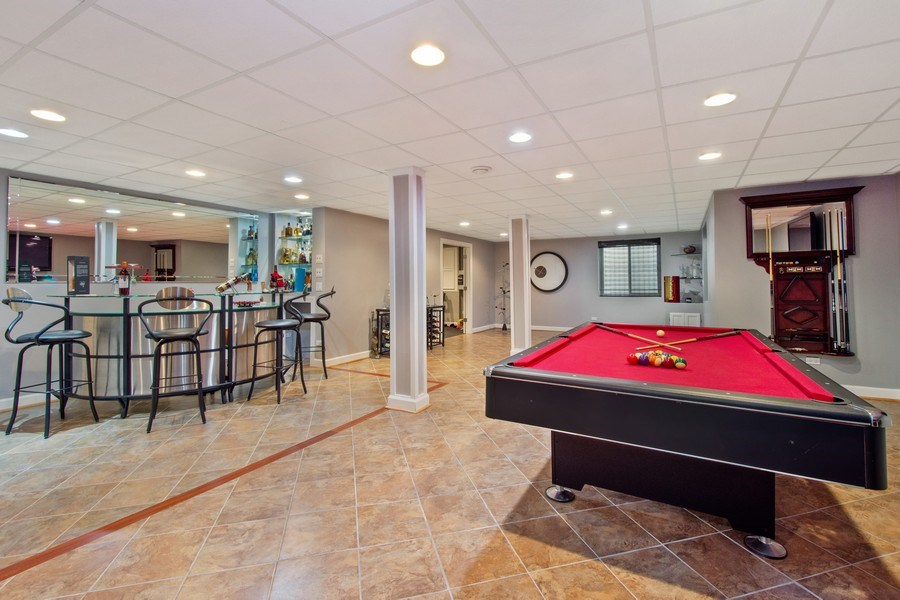 Real Estate Photography - 600 Sutherland Ct., Inverness, IL, 60010 -
