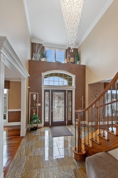 Real Estate Photography - 600 Sutherland Ct., Inverness, IL, 60010 - Foyer