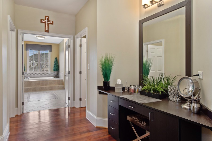 Real Estate Photography - 600 Sutherland Ct., Inverness, IL, 60010 - Master Bedroom Closet