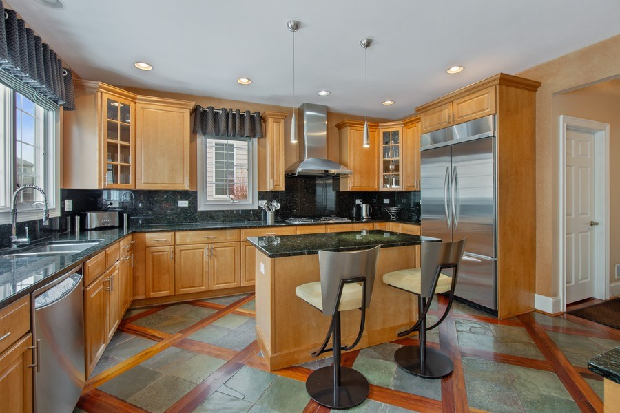 Real Estate Photography - 600 Sutherland Ct., Inverness, IL, 60010 - Kitchen