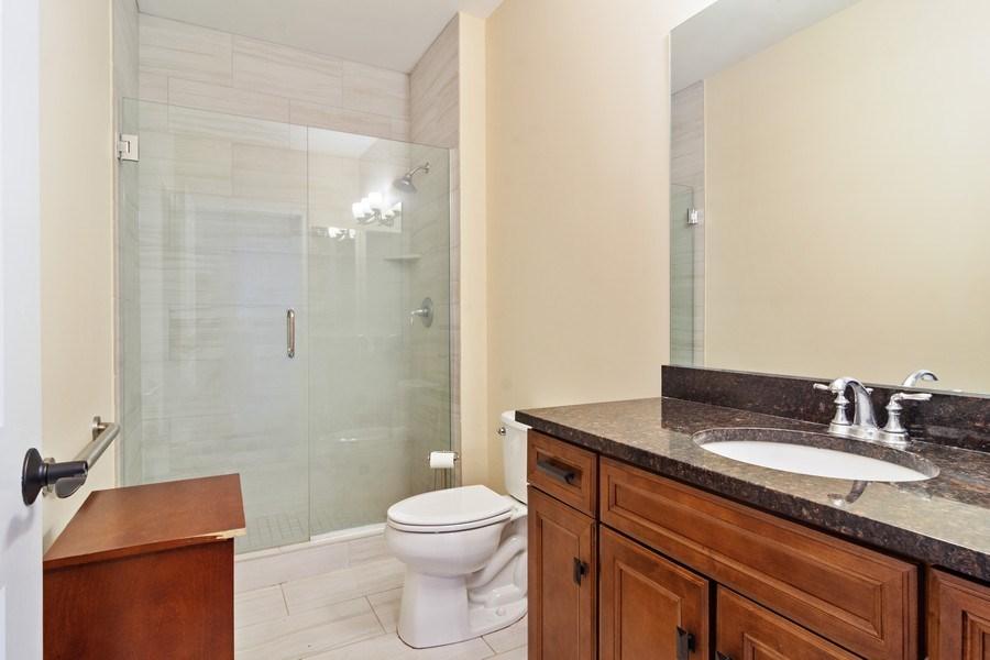 Real Estate Photography - 100 Prairie Park, Unit 612, Wheeling, IL, 60090 - Bathroom