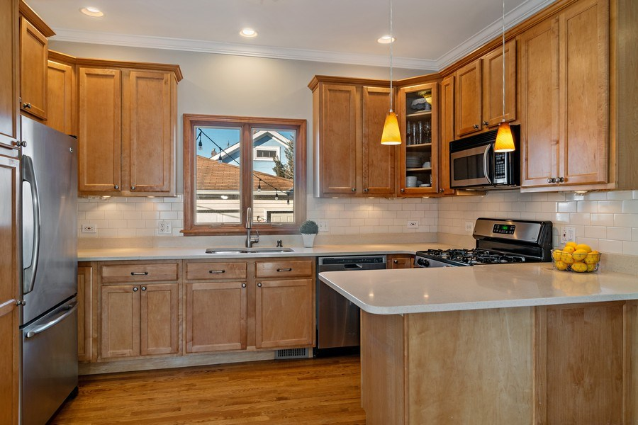 Real Estate Photography - 20 S Cowley Rd, Riverside, IL, 60546 - Kitchen