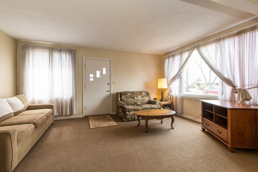 Real Estate Photography - 10049 South California Avenue, Chicago, IL, 60655 - Living Room