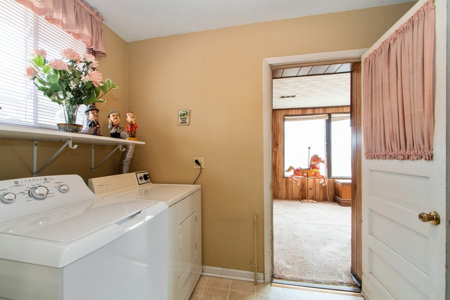 Real Estate Photography - 10049 South California Avenue, Chicago, IL, 60655 - Laundry Room