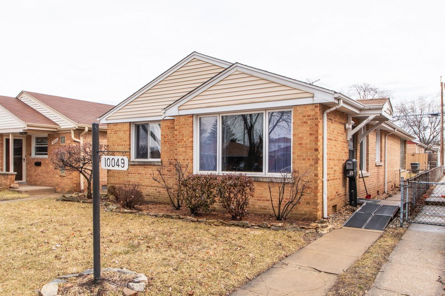 Real Estate Photography - 10049 South California Avenue, Chicago, IL, 60655 - Front View