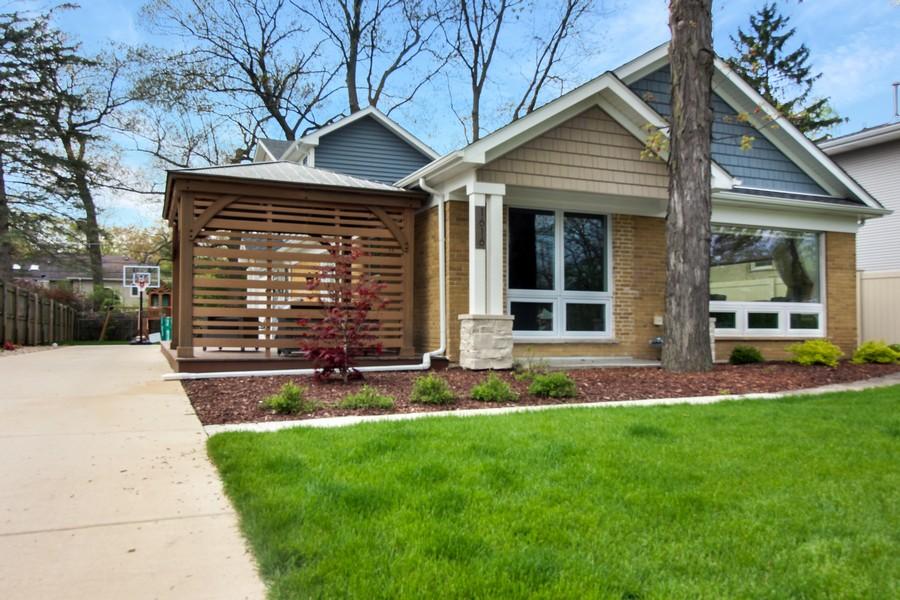 Real Estate Photography - 1616 Magnolia, Glenview, IL, 60025 -