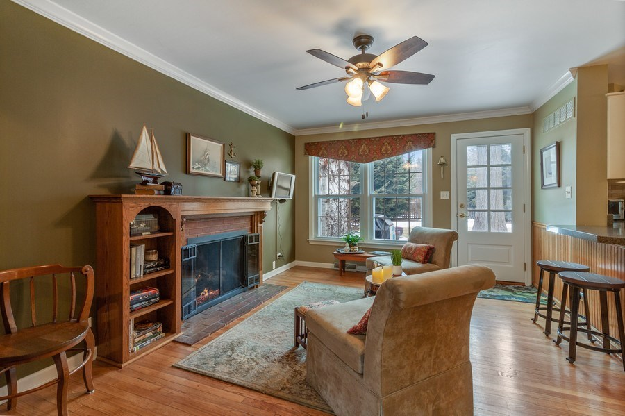 Real Estate Photography - 908 James Ct, Wheaton, IL, 60187 - Family Room