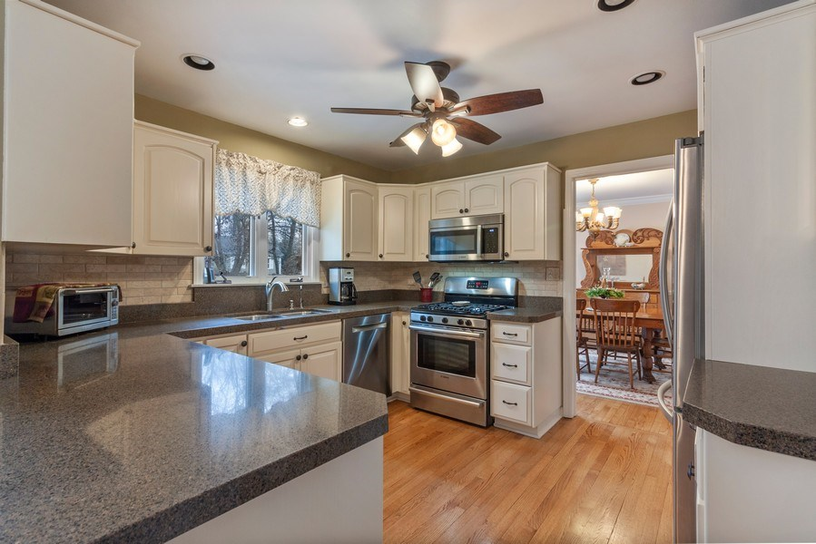 Real Estate Photography - 908 James Ct, Wheaton, IL, 60187 - Kitchen / Dining Room