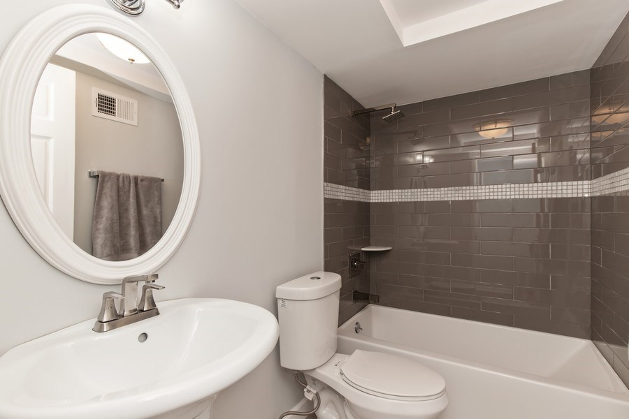 Real Estate Photography - 13200 W. Heiden Circle #2102, Lake Bluff, IL, 60044 - Bathroom
