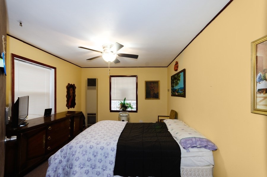 Real Estate Photography - 9830 S Yates Blvd, Chicago, IL, 60617 - Bedroom