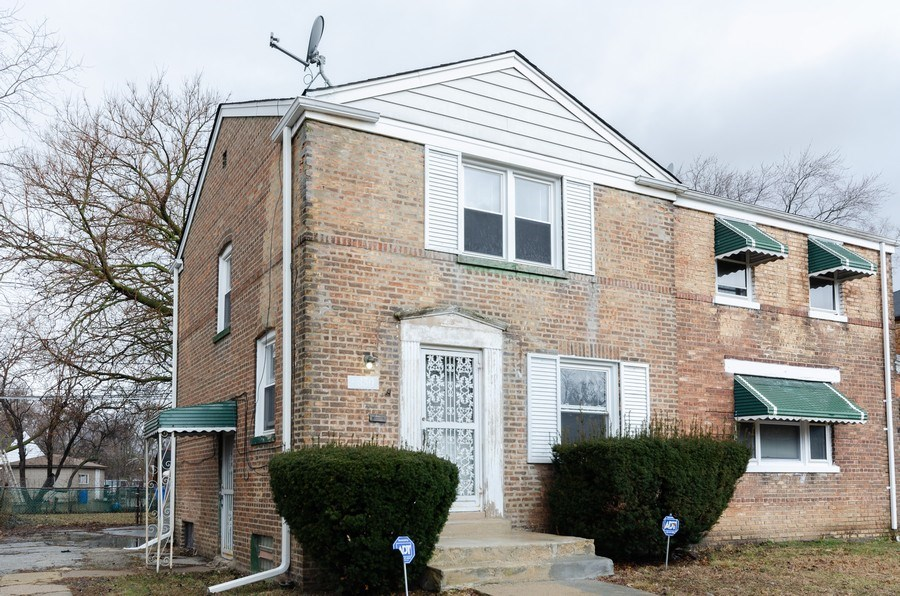 Real Estate Photography - 9830 S Yates Blvd, Chicago, IL, 60617 - Front View