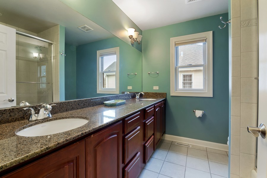 Real Estate Photography - 1057 Linden, Deerfield, IL, 60015 - 2nd Bathroom