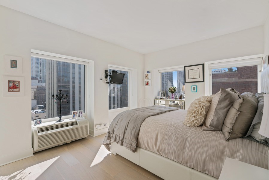 Real Estate Photography - 1100 N Lake Shore Dr, 13C, Chicago, IL, 60611 - 2nd Bedroom