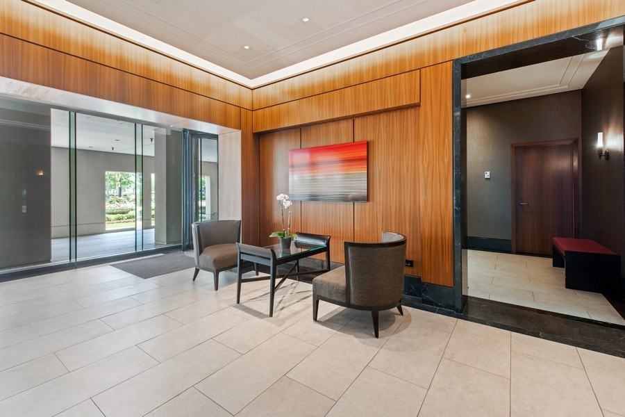 Real Estate Photography - 1100 N Lake Shore Dr, 13C, Chicago, IL, 60611 - Lobby