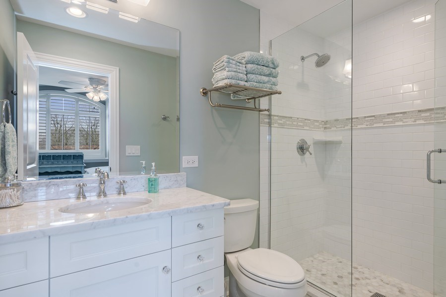Real Estate Photography - 5 Wescott Lane, South Barrington, IL, 60010 - 4th Bathroom