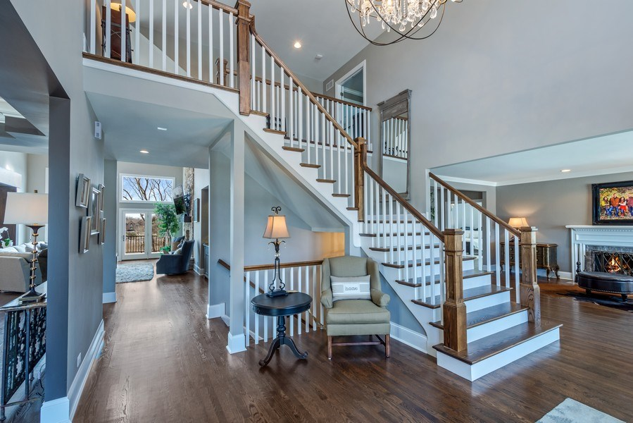 Real Estate Photography - 5 Wescott Lane, South Barrington, IL, 60010 - Foyer