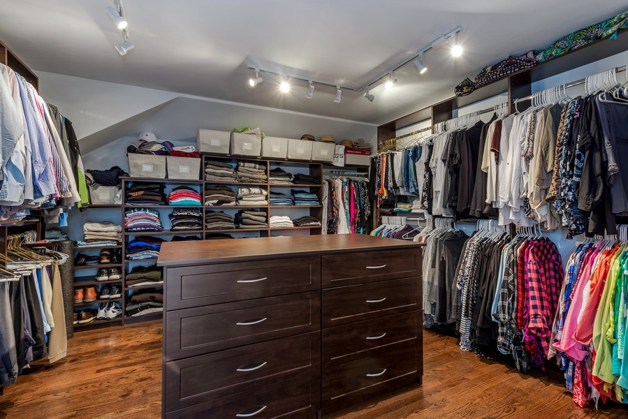 Real Estate Photography - 5 Wescott Lane, South Barrington, IL, 60010 - Master Bedroom Closet