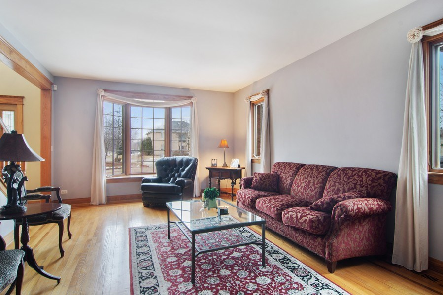 Real Estate Photography - 1001 Wildwood, Mt Prospect, IL, 60056 - Living Room to Front & Foyer