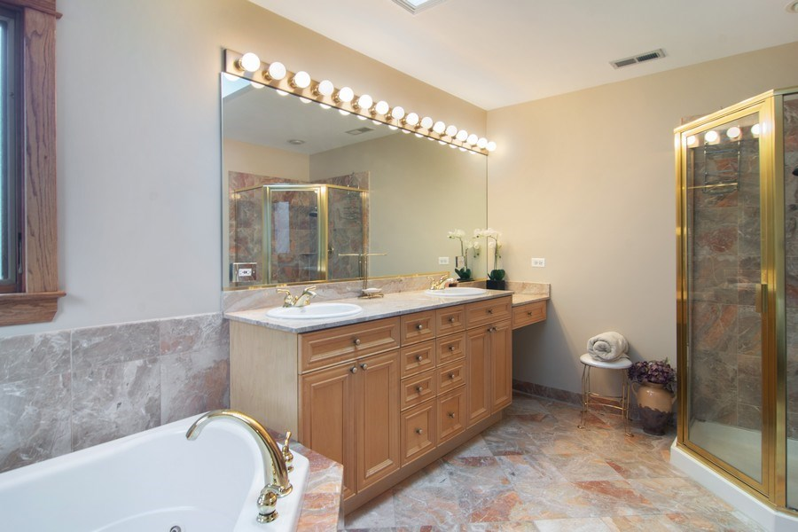 Real Estate Photography - 1001 Wildwood, Mt Prospect, IL, 60056 - Master Bathroom