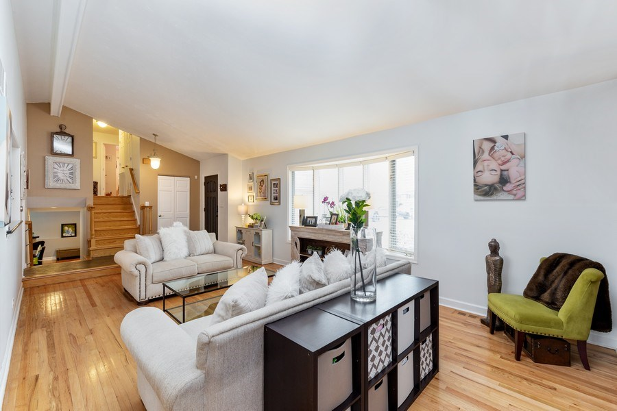 Real Estate Photography - 832 Cambridge Row, Addison, IL, 60101 - Living Room