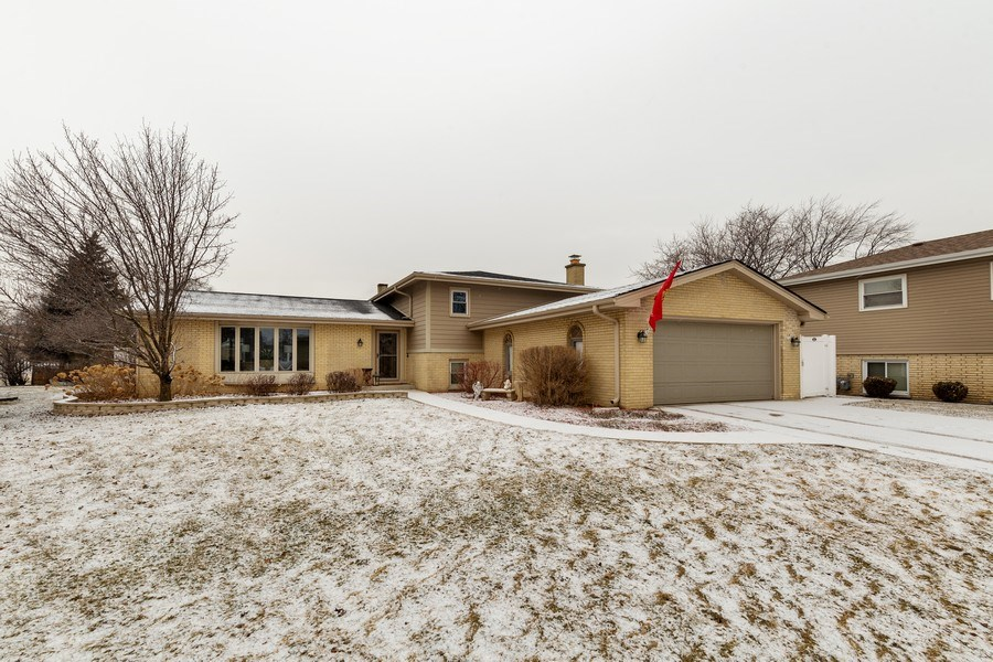 Real Estate Photography - 832 Cambridge Row, Addison, IL, 60101 - Front View