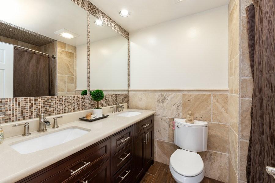Real Estate Photography - 832 Cambridge Row, Addison, IL, 60101 - Bathroom