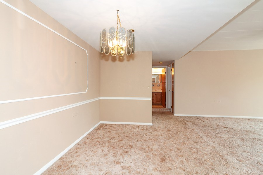 Real Estate Photography - 5300 Walnut Ave, 18C, Downers Grove, IL, 60515 - Living Room/Dining Room