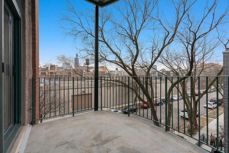 Real Estate Photography - 1301 W. Washington, Unit 306, Chicago, IL, 60607 - Balcony