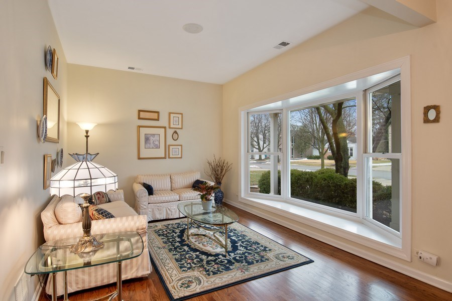 Real Estate Photography - 2542 Illinois Road, Northbrook, IL, 60062 - Living Room