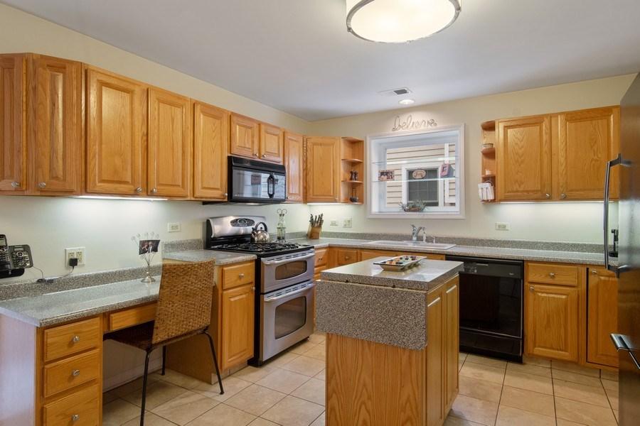 Real Estate Photography - 2542 Illinois Road, Northbrook, IL, 60062 - Kitchen