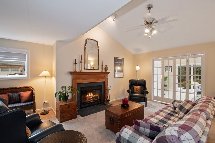 Real Estate Photography - 2542 Illinois Road, Northbrook, IL, 60062 - Family Room
