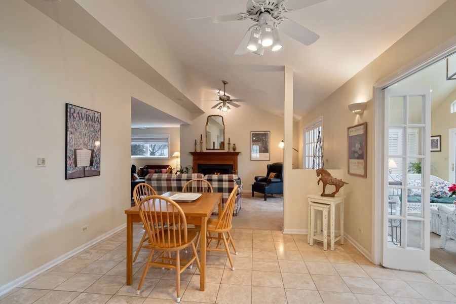 Real Estate Photography - 2542 Illinois Road, Northbrook, IL, 60062 - Kitchen Eating Area