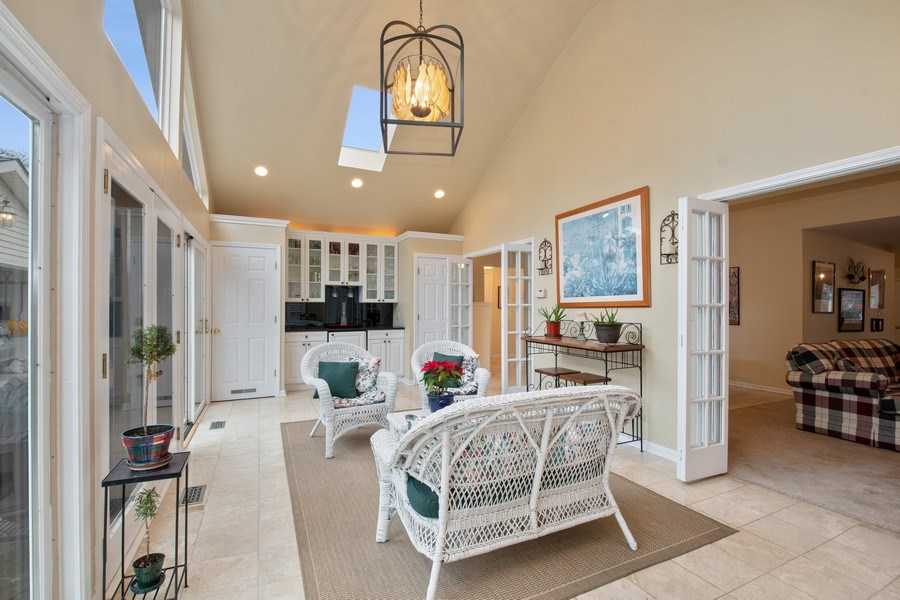 Real Estate Photography - 2542 Illinois Road, Northbrook, IL, 60062 - Sun Room