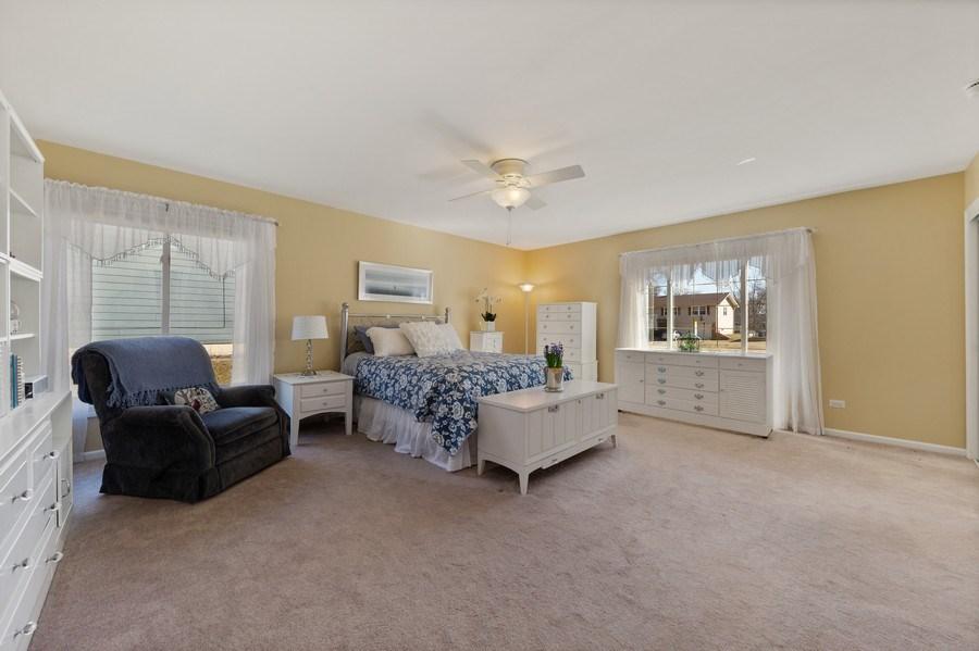 Real Estate Photography - 21W510 Buckingham Road, Gen Ellyn, IL, 60137 - Master Bedroom