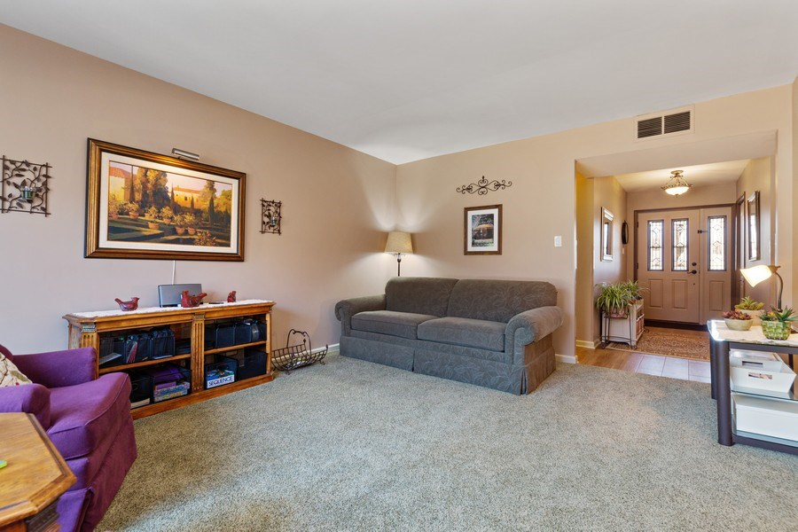 Real Estate Photography - 21W510 Buckingham Road, Gen Ellyn, IL, 60137 - Living Room