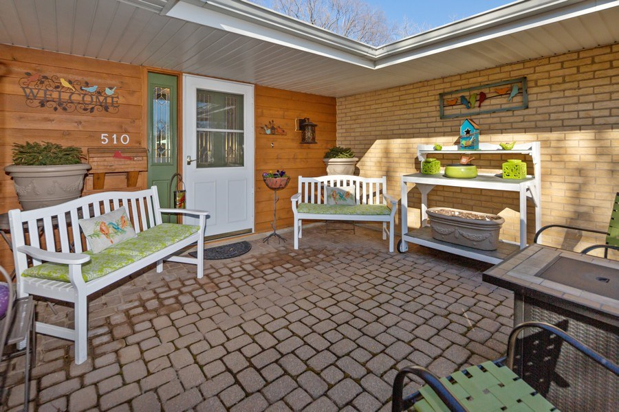 Real Estate Photography - 21W510 Buckingham Road, Gen Ellyn, IL, 60137 - Front View