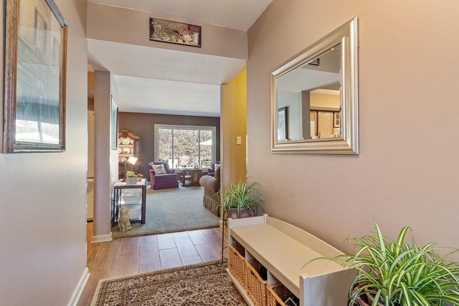 Real Estate Photography - 21W510 Buckingham Road, Gen Ellyn, IL, 60137 - Foyer