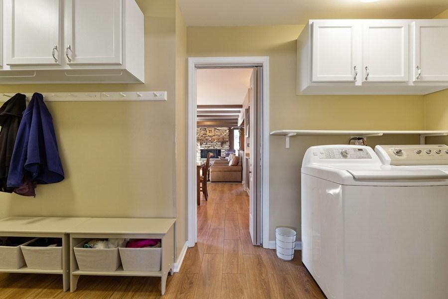 Real Estate Photography - 21W510 Buckingham Road, Gen Ellyn, IL, 60137 - Laundry Room
