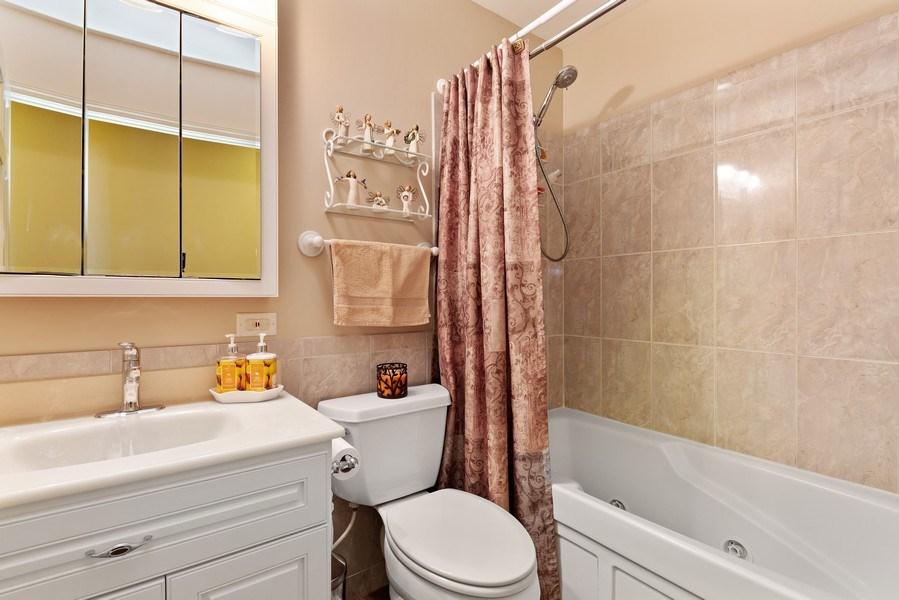 Real Estate Photography - 21W510 Buckingham Road, Gen Ellyn, IL, 60137 - 2nd Bathroom