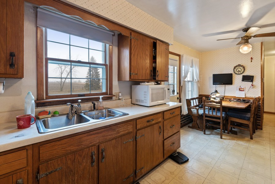Real Estate Photography - 1412 E. Corning Road, Beecher, IL, 60401 - Kitchen