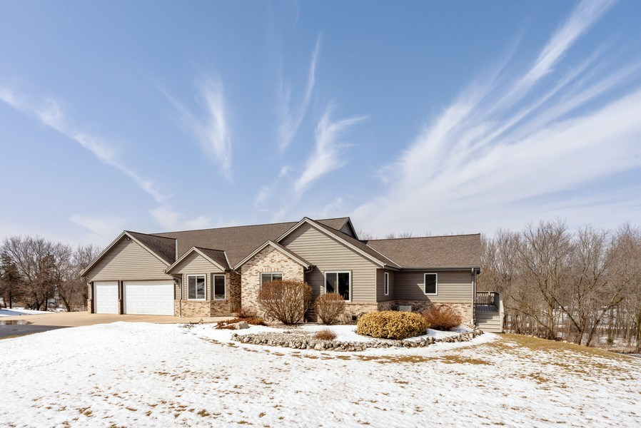 Real Estate Photography - N5375 Loraine Ct., Fredonia, WI, 53021 - Front View