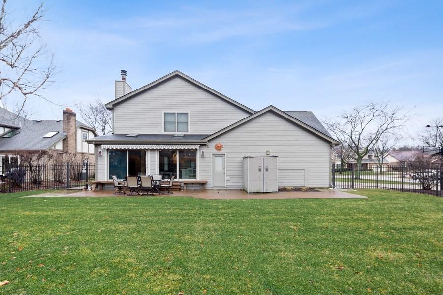 Real Estate Photography - 8495 DOLFOR COVE, BURR RIDGE, IL, 60527 - Back Yard