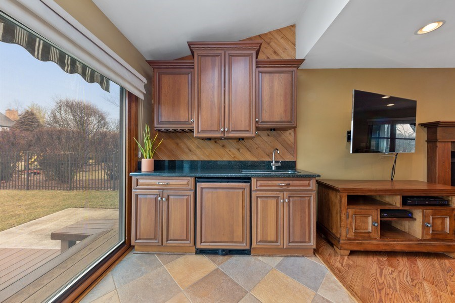 Real Estate Photography - 8495 DOLFOR COVE, BURR RIDGE, IL, 60527 - Family Room