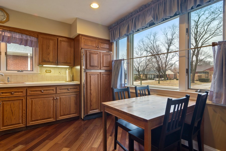 Real Estate Photography - 707 W Dresser Dr, Mount Prospect, IL, 60056 - Eating Area Table Space with a View!