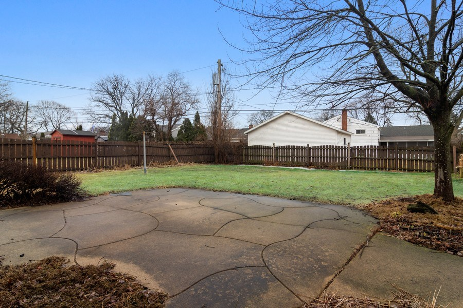 Real Estate Photography - 707 W Dresser Dr, Mount Prospect, IL, 60056 - Patio and Full Yard